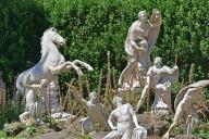Niobe and Her Children [casts]