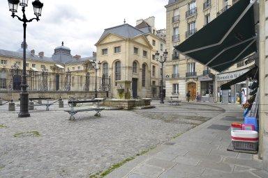 Place Alphonse-Laveran, Place Alphonse-Laveran