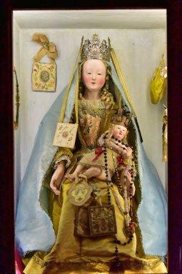 Madonna del Carmine (devotional tabernacle)