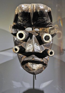Tie he Anthropomorophic Mask from Côte d'Ivoire