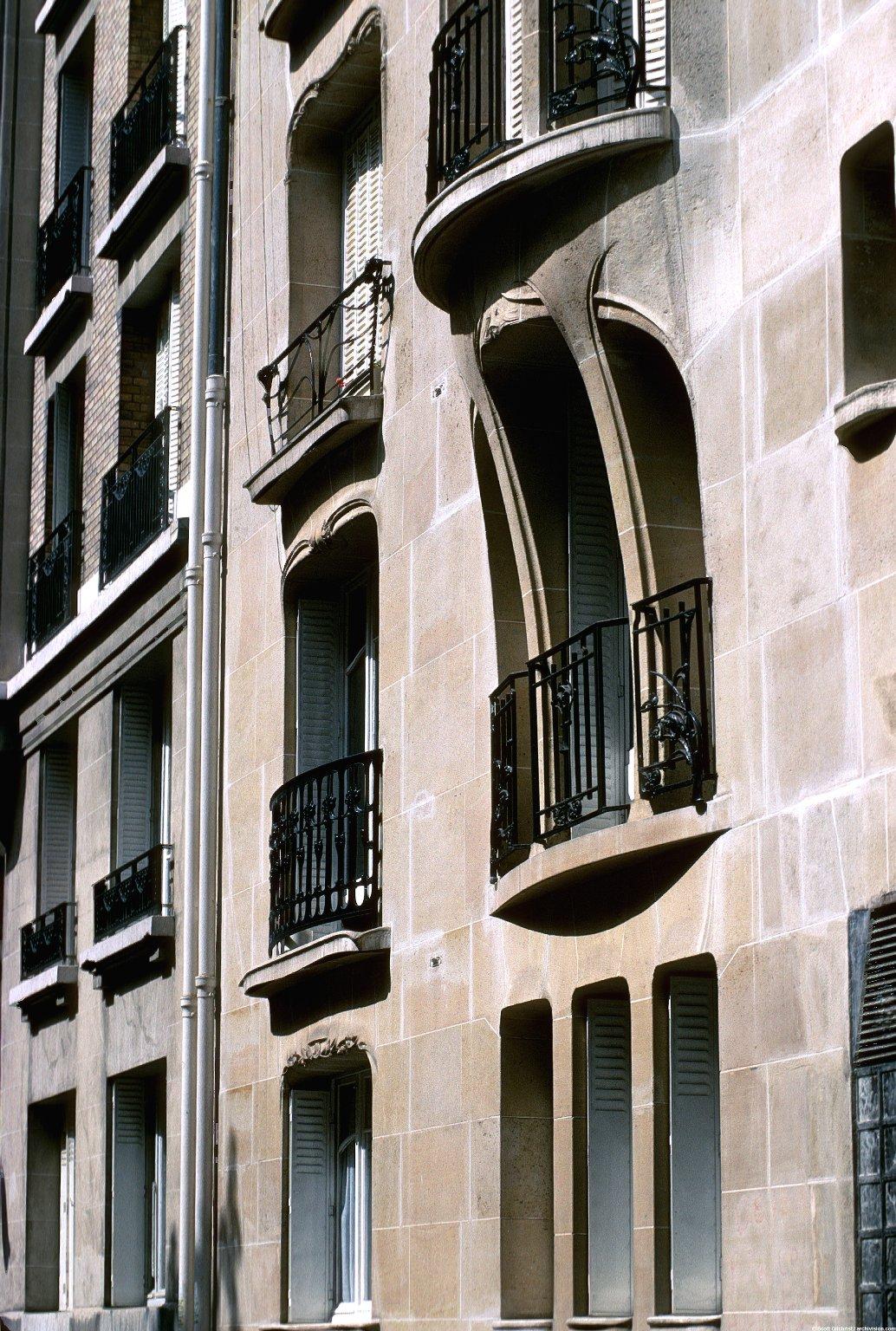 Apartment Complex rue La Fontaine